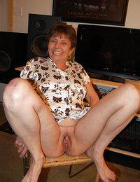 Amateur mature porn pics